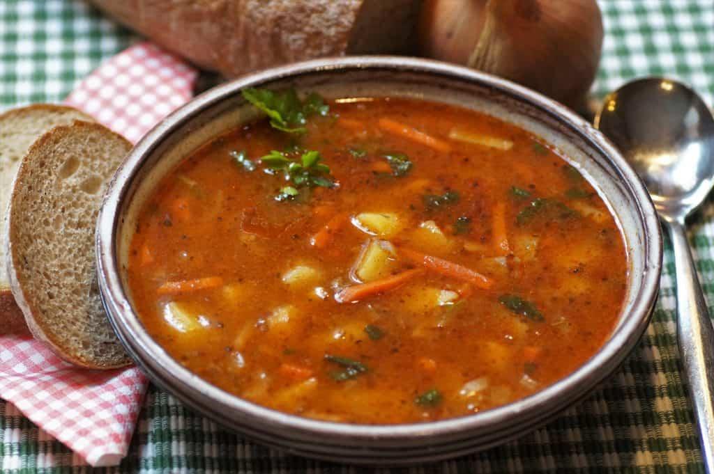 Gulasch-Suppe