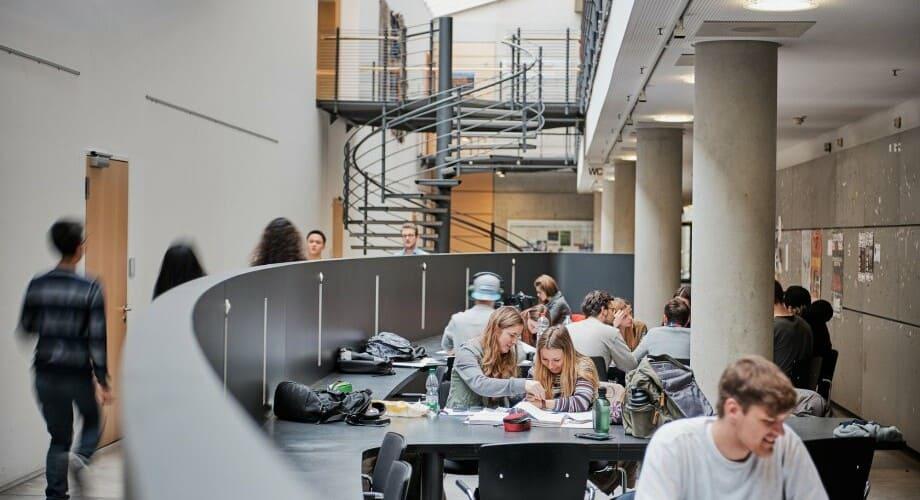 Lernende Studenten in der TH Nürnberg